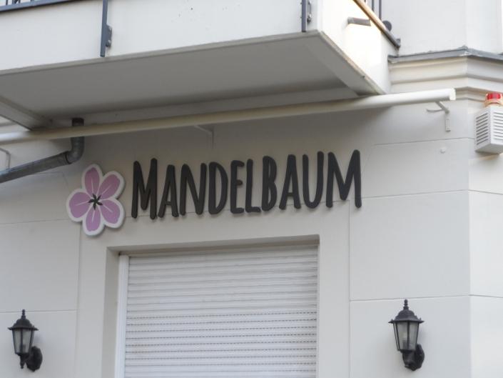 Aussenwerbung Bio Restaurant Mandelbaum